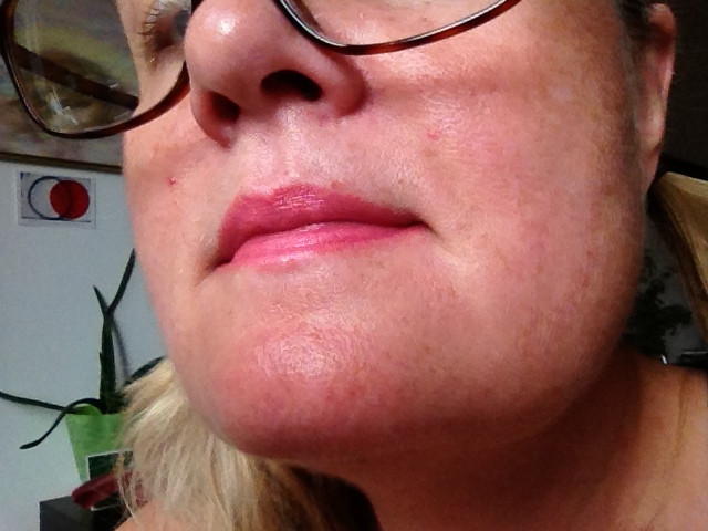 BENEFIT HYDRA SMOOTH in air kiss 1